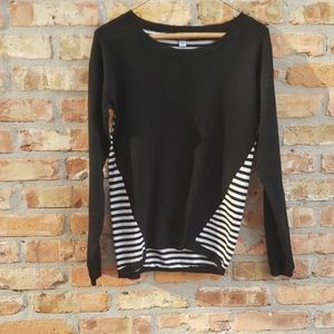 Poof black & white striped high- low sweater euc